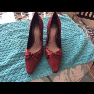 Franco Sarto burgundy suede leather pumps